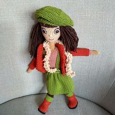 Háčkovaná panenka 32 cm převlékací Crochet Dolls, Crochet Hats, Knitting Hats, Crochet Doilies