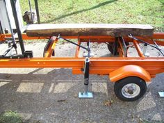 Home-Built Portable Chainsaw Mill Homemade Chainsaw Mill, Homemade Bandsaw Mill, Portable Chainsaw Mill, Portable Saw Mill, Lumber Mill, Wood Mill, Easy Woodworking Projects, Woodworking Plans, Hydraulic Chainsaw