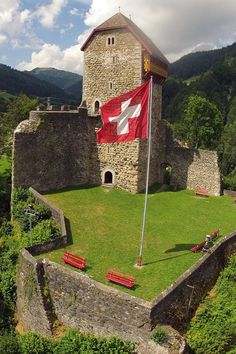 Wattwil (Kanton Sankt Gallen) - Iberg Castle / Burg Iberg / Château d'Iberg
