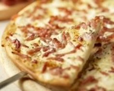 Pizza lorraine (facile, rapide) - Une recette CuisineAZ