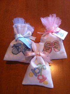 Tiny Cross Stitch, Easy Cross Stitch Patterns, Wedding Cross Stitch, Cross Stitch Cards, Simple Cross Stitch, Cross Stitch Designs, Cross Stitching, Crochet Hat Tutorial, Diy And Crafts