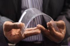 Hands-on with Corning's bendable Willow Glass #CES