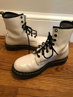 9fd6a5f23b4 Dr. Doc Martens 1460 8 Eyelet White Boots Patent Womens size US8 UK6 EU39