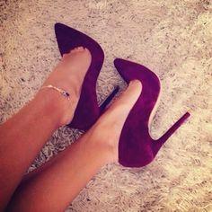 http://onlygirlshoes.tumblr.com/