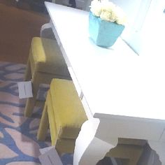 Welcome Somerset Bay Home Upholstery to Stanford Furniture. Lovely!!