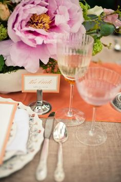 love the coral table runner with the light pink flowers