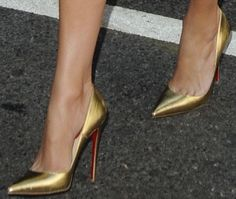 "Jennifer Lopez wearing stunning gold ""So Kate"" pumps by Christian Louboutin"