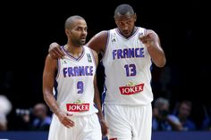 France's Tony Parker (L) talks with Boris Diaw during their 2015 EuroBasket 2015 round of 16 match against Turkey at the Pierre Mauroy stadium in Villeneuve d'Ascq near Lille, France, September 12, 2015. REUTERS/Benoit Tessier