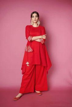Sonam Kapoor wearing Beautiful Red Kurti Latest Kurti Design INDIAN BEAUTY SAREE PHOTO GALLERY  | I.PINIMG.COM  #EDUCRATSWEB 2020-07-02 i.pinimg.com https://i.pinimg.com/236x/92/38/05/9238057af43e07083d59a27ebc1b2b8f.jpg
