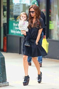 Especial shopping para el Día de la Madre con madres famosas: Victoria Beckham