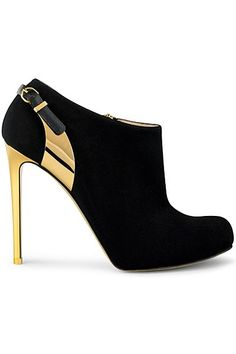 Someone please buy this for me today. Stella McCartney & fashion black boots.
