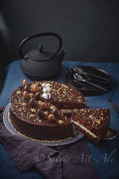 Kinder style cake - chocolate sponge cake with sweet mascarpone filling and chocolate ganache Chocolate Ganache Tart, Chocolate Cake, Chocolate Sponge, Easter Cookie Recipes, Cake Recipes, Dessert Recipes, Sweets Cake, Köstliche Desserts, Something Sweet