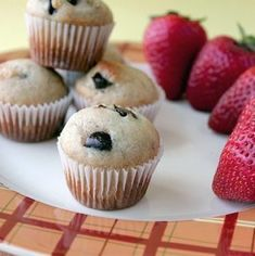 How To: Make Perfect Mini Muffins + banana chocolate chip mini muffin recipe Oatmeal Raisin Muffins, Mini Banana Muffins, Mini Chocolate Chip Muffins, Ripe Banana Recipe, Bran Muffins, Baking Muffins, Banana Recipes, Muffin Recipes, Breakfast Recipes
