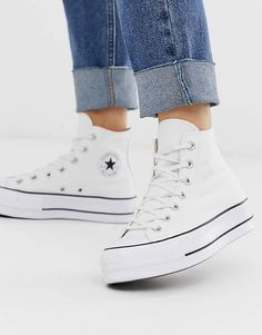 platform shoes sneakers Converse Chuck Taylor Hi platform white trainers Mode Converse, High Top Converse Outfits, White High Top Converse, White High Tops, Sneakers Mode, Sneakers Fashion, Converse Sneakers, White Leather Converse, Converse Shoes Outfit