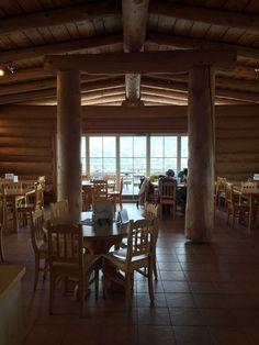 Gaststube im Blockhaus Stiel. Die Lodge am Krippenstein auf 2063m Gazebo, Pergola, Restaurant, Outdoor Structures, Screenwriting, Kiosk, Pavilion, Outdoor Pergola, Diner Restaurant
