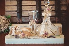 34.Δίσκος ξύλινος  ,καράφα-ποτήρι  κρύσταλλο με διακόσμηση Boho Wedding, Wedding Day, Wedding Decorations, Table Decorations, Diy And Crafts, Wedding Photos, Vintage, Design, Home Decor