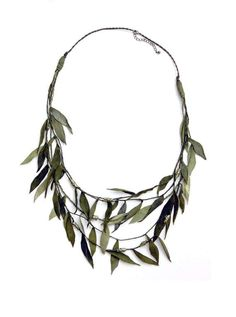 67 Chunky Statement Necklaces - From Concrete-Cast Jewelry to DIY Triangular Neck Bibs (TOPLIST)