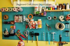 --Housewife Eclectic: Pegboard Craft Room Organization