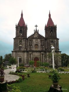 Anne Parish), Iloilo City, Philippines also known as the Women's Church because all the saints in this church are women Churches and Cathedrals Of The World - Page 35 - SkyscraperCity Iloilo City, St Anne, Old Churches, Cathedrals, Philippines, Saints, Nice, World, Building