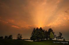 Topsy Turvy God Rays - Andrew Haydon Park - Ottawa by Tim Watts on 500px