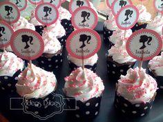 Detalle Cupcakes Barbie para el Cumple de Isabela Vintage Barbie Party, Barbie Theme Party, Barbie Birthday Party, Princess Birthday, Birthday Parties, Barbie Cupcakes, Barbie Cake, Little Girl Birthday Cakes, Pink Ombre Cake