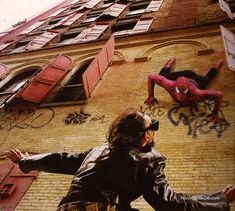 Spider-Man - Publicity still. The image measures 1009 * 905 pixels and was added on 1 July Spiderman Sam Raimi, Spiderman 2002, Stan Lee Spiderman, Spiderman Movie, Spiderman Spider, Amazing Spiderman, Spider Man Trilogy, Movies And Series, Man Movies