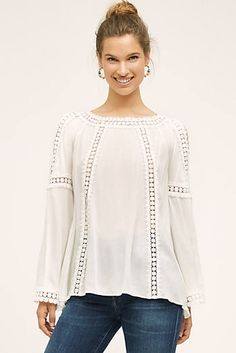 Jana loves this type of open shoulder tops. Passion For Fashion, Love Fashion, Womens Fashion, Fashion Design, Sewing Blouses, Couture, Summer Outfits, Tunic Tops, Blouse Outfit