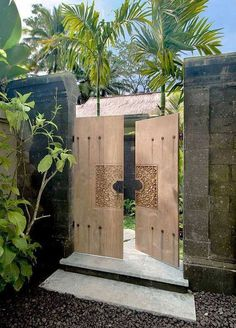 60 Amazing Modern Home Gates Design Ideas https://decomg.com/60-amazing-modern-home-gates-design-ideas/