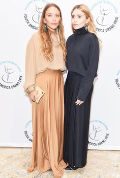 Mary-Kate Olsen and Ashley Olsen attend YAGP Stars of Today Meet The Stars of Tomorrow 2018 Gala on April 2018 in New York City. Get premium, high resolution news photos at Getty Images Mary Kate Ashley, Mary Kate Olsen, Ashley Olsen Style, Olsen Twins Style, Olsen Fashion, Star Fashion, Fall Fashion, 50 Fashion, Fashion Styles