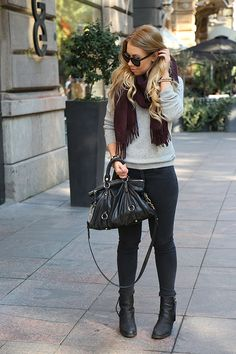 Random link but nice outfit! Cozy Winter Outfits, Warm Outfits, Casual Fall Outfits, Chic Outfits, Fashion Outfits, Autumn Winter Fashion, Winter Style, Fall Fashion, Victoria Secret Outfits