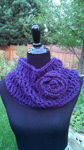 Crochet Cowl cuello al crochet con flor