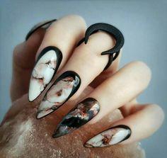 Goth Nails, Edgy Nails, Stylish Nails, Stiletto Nails, Trendy Nails, Fun Nails, Halloween Nail Designs, Halloween Nail Art, Cool Nail Designs