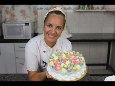 Como Trabalhar com Bico Russo - YouTube Pastel Cakes, Cake Youtube, Piping Tips, Cupcakes, Gorgeous Cakes, Buttercream Cake, Icing, Birthday Cake, Leo