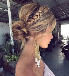 Possible wedding guest hair Coiffure chignon tresse Easy Summer Hairstyles, Braided Hairstyles For Wedding, Trendy Hairstyles, Braid Hairstyles, Modern Haircuts, Long Haircuts, Bohemian Hairstyles, Braided Hair Updos, Popular Hairstyles