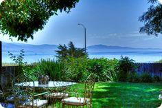 vacation rental on the Mesa.close to the beach and shopping! Visit Santa Barbara, Santa Barbara California, Santa Barbara Vacation Rentals, Extended Stay, California Homes, Renting A House, Lodges, Ideal Home, Perfect Place