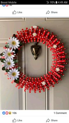 Yellow and white wreath Wreath Crafts, Diy Wreath, Diy Crafts, White Wreath, Wreath Ideas, Holiday Wreaths, Holiday Crafts, Spring Wreaths, Clothes Pin Wreath