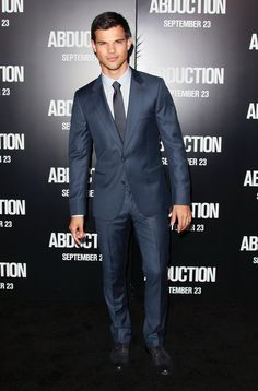 "Taylor Lautner Photos - Actor Taylor Lautner attends the premiere of Lionsgate Films' ""Abduction"" at Grauman's Chinese Theatre on September 15, 2011 in Hollywood, California. - Taylor Lautner Photos - 2718 of 4881"