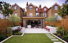 small, narrow garden design ideas