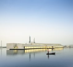 The Building on the Water,© Fernando Guerra   FG + SG