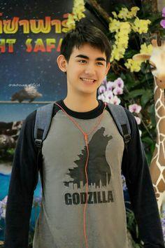 Drake, Cute Boys, My Boys, Godzilla, Hogwarts, Thailand, Actors, Tees, Mens Tops