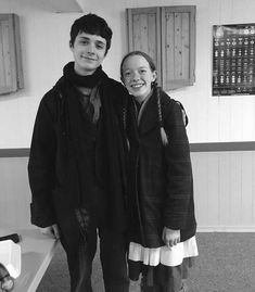 "Amybeth McNulty & Lucas Jade Zumann in ""Anne"" Shirbert Anne Green, Anne Of Green Gables, Jonathan Crombie, Anne Shirley, Jade, Amybeth Mcnulty, Gilbert And Anne, Anne White, Gilbert Blythe"