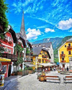 Halstatt Austria, Voyage Europe, Nature Adventure, Best Cities, Great Pictures, Alps, Travel Photos, Travel Destinations, Beautiful Places
