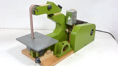 "Building a 1""x42"" belt sander out of wood, using wheels and bearings from inline roller skates. http://woodgears.ca/strip_sander Plans here: http://woodgears..."