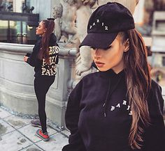Good vibes / Cassie - King Of Hearts Look Adidas, Black Lashes, King Of Hearts, Cassie, Yeezy, Sneakers Fashion, Sporty, Hoodies, Chic