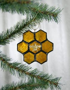 Stained Glass Honeycomb Bee Ornament or Sun Catcher Stained Glass Patterns, Stained Glass Art, Christmas Crafts, Christmas Decorations, Christmas Ornaments, Snowman Ornaments, Christmas Tree, Bee Art, Bee Crafts