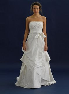 Rustic, but fun and flirty at the same time! LOVE IT. #wedding #bridal #dress