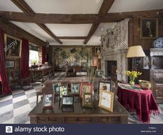 Download this stock image: The Great Hall at Baddesley Clinton, Warwickshire. Baddesley Clinton is a 15th century moated manor house. - F7R91J from Alamy's library of millions of high resolution stock photos, illustrations and vectors.