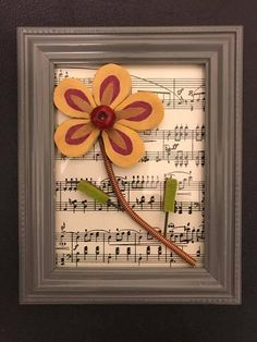 This is a hand made flower made from the felt hammers inside a piano. I was so inspired by the beauty of these piano hammers and how well it formed a flower! Set in a 5 x 7 picture frame. Perfect as a gift for a musical friend or family member. Piano Crafts, Music Crafts, Music Decor, Piano Art, Piano Room, Cute Crafts, Diy Crafts, Music Collage, Old Pianos