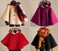Capa de lana para niña. Burberry. Colección 2013-2014.