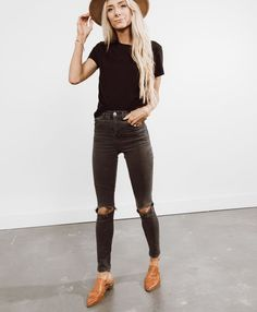 30+Cute Women Work Outfits Ideas With Black Jeans To Copy #fallworkoutfits 30+Cu... - #30Cu #30Cute #Black #Copy #fallworkoutfits #Ideas #jeans #Outfits #Women #Work Fall Winter Outfits, Summer Outfits, Casual Outfits, Cute Outfits, Work Outfits, Casual Winter, Look Fashion, Autumn Fashion, Fashion Outfits